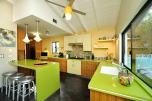 дизайн кухни в зеленом цвете_4