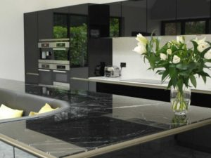 кухонный остров со встроенным диваном2