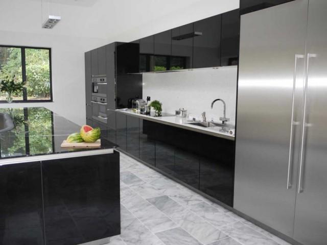 кухонный остров со встроенным диваном3