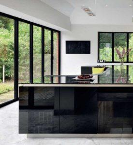 кухонный остров со встроенным диваном4