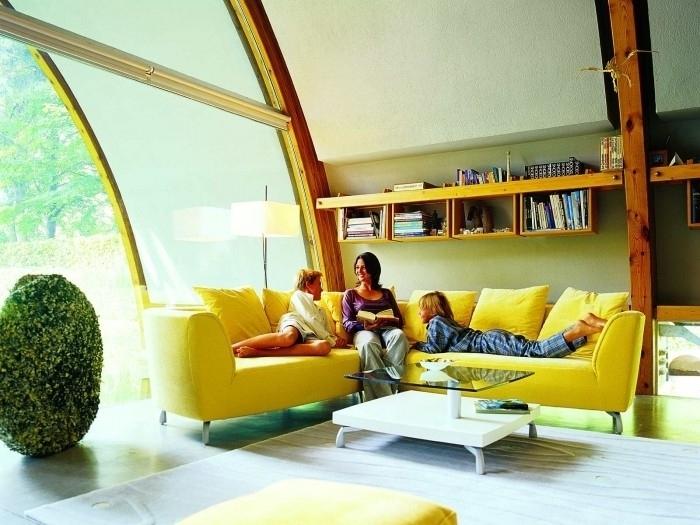 желтая мебель в интерьере 1